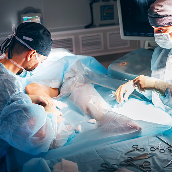 Máster para enfermería en cirugía menor y cuidados de heridas